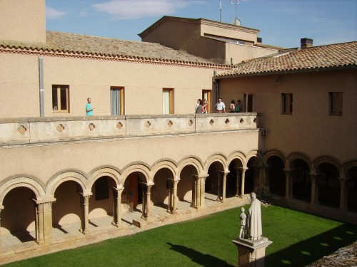 The cloister of Monastir de les Avellanes
